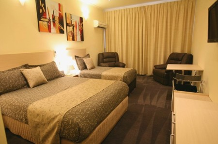 Adelaide Granada Motor Inn - Accommodation Nelson Bay