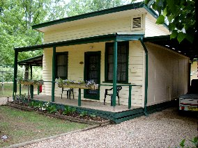 Pioneer Garden Cottages - Accommodation Nelson Bay
