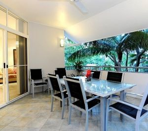 Oasis At Palm Cove - Accommodation Nelson Bay