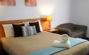 Colonial Lodge Motor Inn - Accommodation Nelson Bay