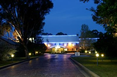 Campbelltown Colonial Motor Inn - Accommodation Nelson Bay