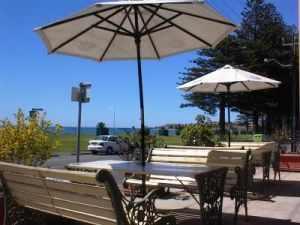 Anchorage At Victor Harbour Seafront Hotel - Accommodation Nelson Bay