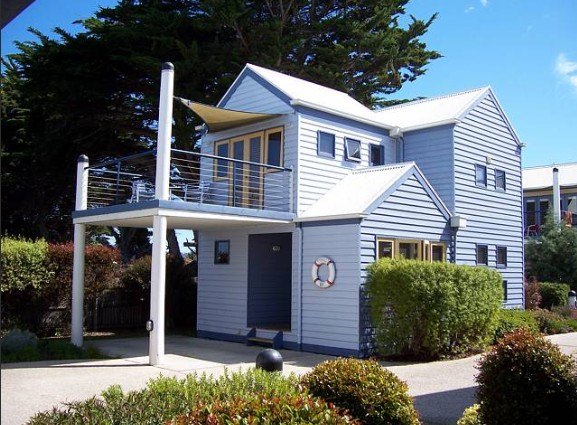 Rayville Boat Houses - Accommodation Nelson Bay