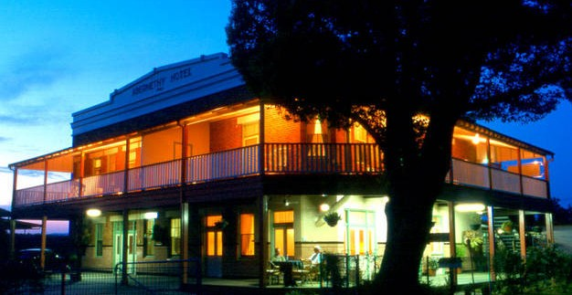 Abernethy Guesthouse - Accommodation Nelson Bay