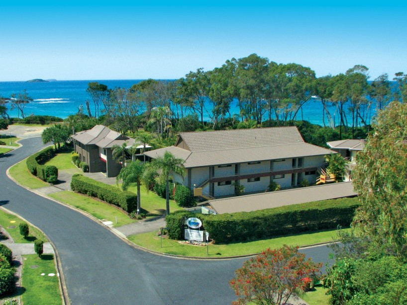 Absolute Beachfront Smugglers on the Beach - Accommodation Nelson Bay