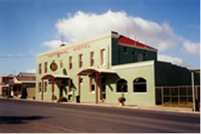 National Hotel - Accommodation Nelson Bay