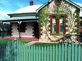 Naracoorte Cottages - Smith Street Villa - Accommodation Nelson Bay