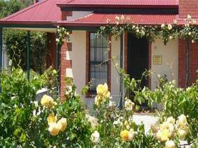 Wine And Roses Bed And Breakfast - Accommodation Nelson Bay