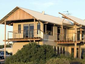 Tipara - Accommodation Nelson Bay