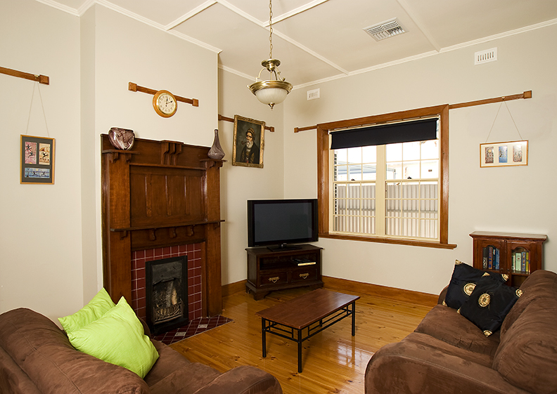 Semaphore Beach House - Accommodation Nelson Bay