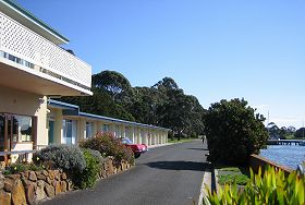 Waterfront Wynyard - The - Accommodation Nelson Bay