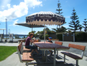Hillcrest Caravan Park - Accommodation Nelson Bay