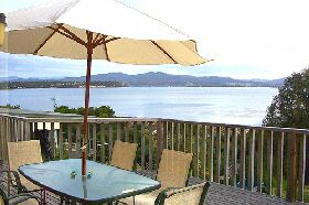 Waterfront on Georges Bay - Accommodation Nelson Bay