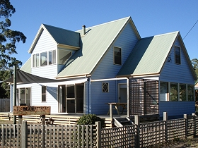 The Big Blue Retreat - Accommodation Nelson Bay