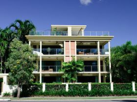 Cairns Beachfront Apartment - Accommodation Nelson Bay