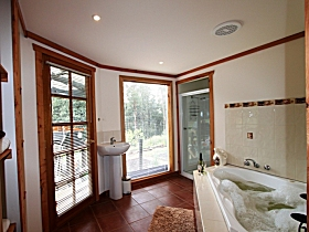 Love Grove Guest House - Accommodation Nelson Bay