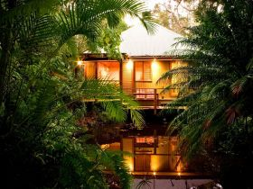 Hunchy Hideaway - Accommodation Nelson Bay