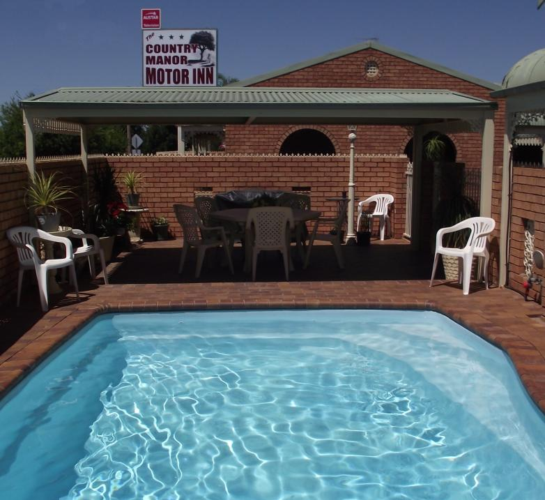 Country Manor Motor Inn - Accommodation Nelson Bay