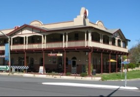 The Royal Hotel Adelong - Accommodation Nelson Bay