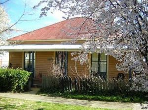 Cooma Cottage - Accommodation - Accommodation Nelson Bay