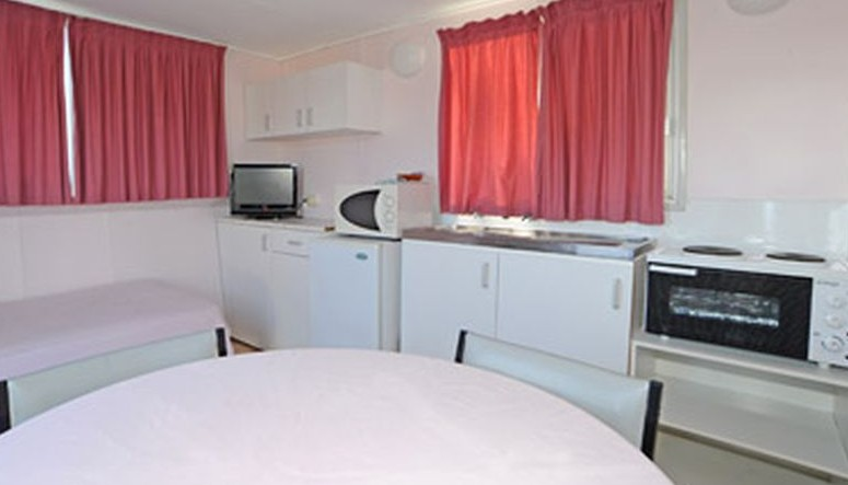 Aukaka Caravan Park - Accommodation Nelson Bay