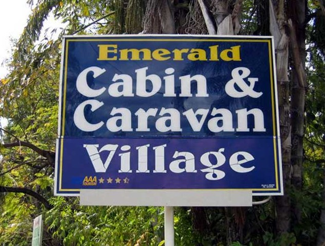 Emerald Cabin and Caravan Village - Accommodation Nelson Bay