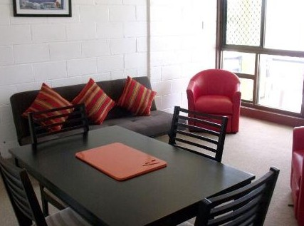 Como Holiday Apartments and Tropical Nites Motel - Accommodation Nelson Bay