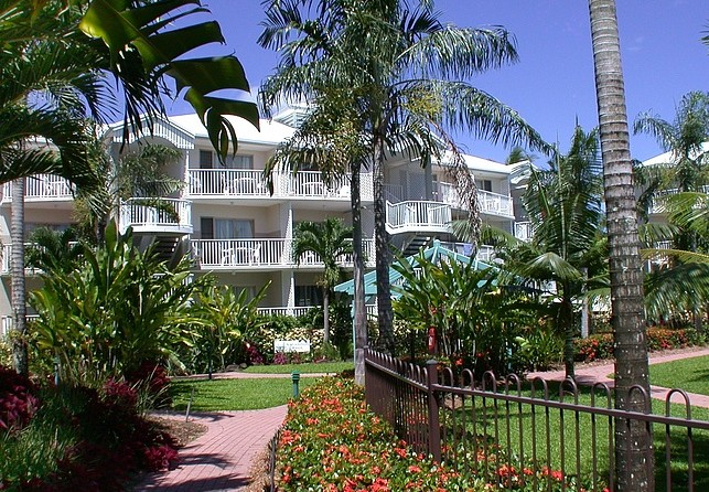 Australis Cairns Beach Resort - Accommodation Nelson Bay