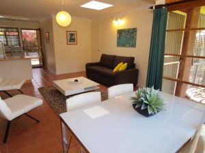 Bright Highland Valley Cottages - Accommodation Nelson Bay