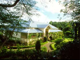 The Falls Rainforest Cottages - Accommodation Nelson Bay