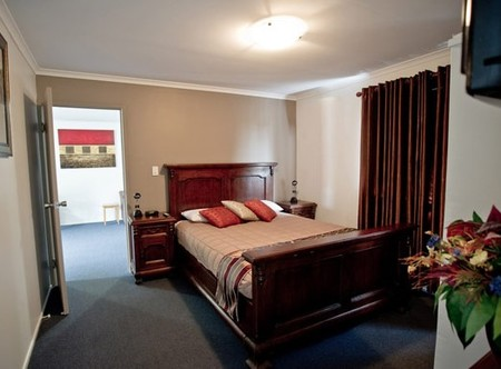 Centrepoint Motor Inn - Accommodation Nelson Bay