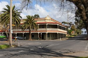 The Midland Hotel Castlemaine - Accommodation Nelson Bay