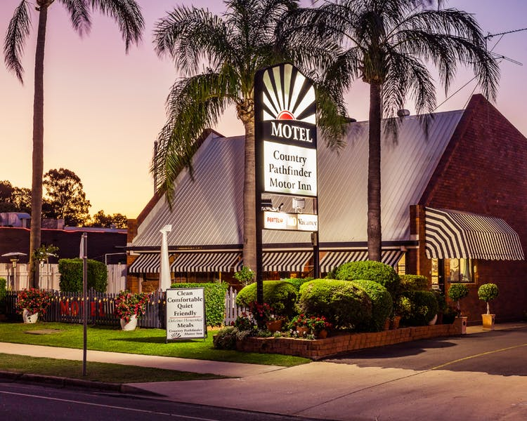 Country Pathfinder Motor Inn - Accommodation Nelson Bay