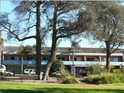 Huskisson Beach Motel - Accommodation Nelson Bay