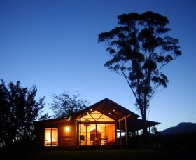 Promised Land Cottages - Accommodation Nelson Bay