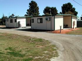 Pinnaroo Cabins - Accommodation Nelson Bay
