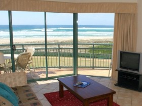 Currumbin Sands Holiday Apartments - Accommodation Nelson Bay