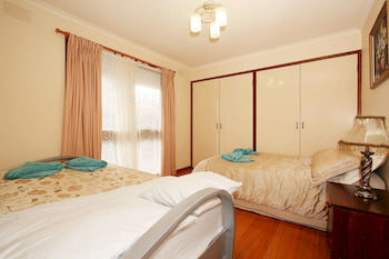 40 Thames Holiday Unit - Accommodation Nelson Bay