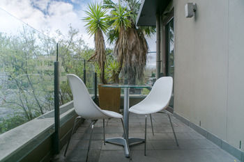 Comfy Kew Apartments - Accommodation Nelson Bay