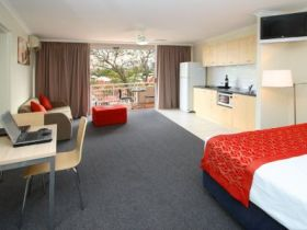 Wellington Apartment Hotel - Accommodation Nelson Bay
