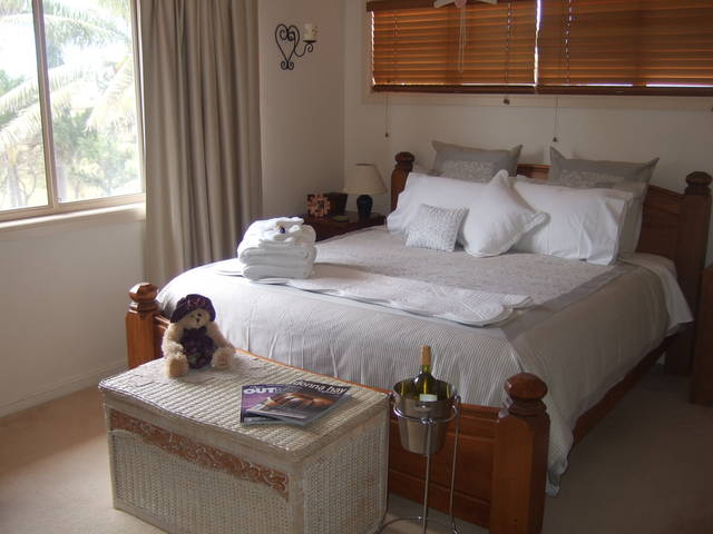 Ayr Bed and Breakfast on McIntyre - Accommodation Nelson Bay
