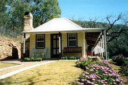 Price Morris Cottage - Accommodation Nelson Bay