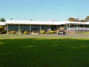 Tenterfield Golf Club and Fairways Lodge - Accommodation Nelson Bay
