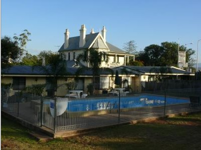 Airlie House Motor Inn - Accommodation Nelson Bay