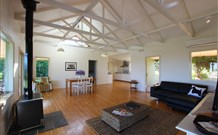 Yellow Dog Cottage - - Accommodation Nelson Bay