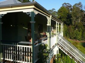 The Sanctuary Springbrook. Guest House / Cottage - Accommodation Nelson Bay