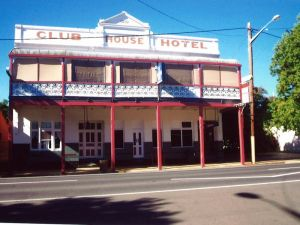Club House Hotel - Accommodation Nelson Bay