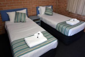 The Oaks Hotel Motel  - Accommodation Nelson Bay