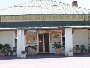 Shamrock Hotel - Greenethorpe - Accommodation Nelson Bay