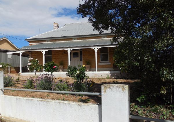 Book Keepers Cottage Waikerie - Accommodation Nelson Bay